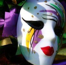 gras parti, party games, theme parties, masks, blog, mardi gras party, clowns, kid, bead necklaces