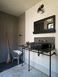 Industrial μπάνια   Jenny.gr barefootstyling.com #bathroom @betsyhoover