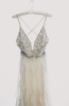 #JennyPackham | #WeddingGown | Photo: MangoStudios.com | See more: http://www.stylemepretty.com/2013/11/05/modern-toronto-wedding-from-mango-studios-and-melissa-andre-events