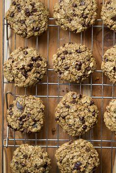 Vegan Turtle Oatmeal Cookies