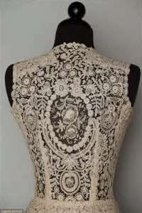 vintage lace clothing