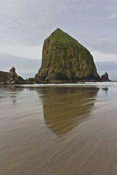 Haystack Rock, Cannon Beach - Oregon <3