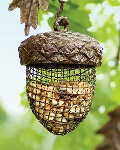 Acorn Birdfeeder