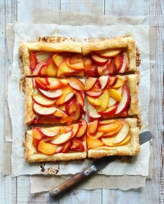 Easy Summer Tart From Bakers Royale, featured at chasingdelicious.com. Find more delicious things @chasedelicious.