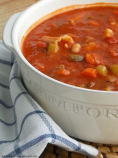 Shopgirl: Hearty Minestrone Soup