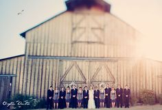 love this wedding party photo