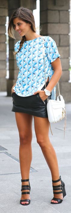 Cameo White And Blue Relaxed Fit Geo Print Tshirt