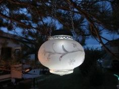 Vintage globe solar light beats the boring out of solar lights for the garden!