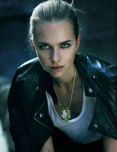 Liz Bell Agency - Models - Andrea sheffield