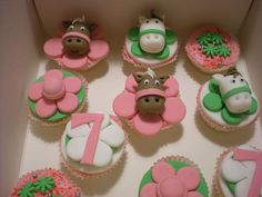 Horse Cupcakes by Cakes by Debbie, via Flickr