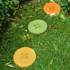Make these cement button stepping stones and add some whimsey to your garden!