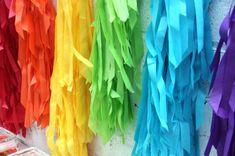 DIY Rainbow Fringe Backdrop-- Rainbow party decorating ideas rainbow fring, 4th birthday, diy rainbow, art parti, birthday parties, color, rainbow parti, rainbow birthday, fring backdrop