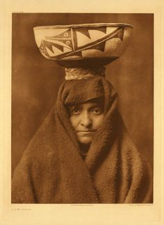Zuni woman. 1903 #native #americans