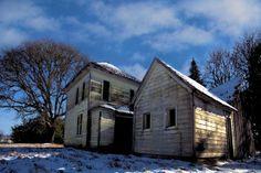 Old house in snow near Stayton Oregon
