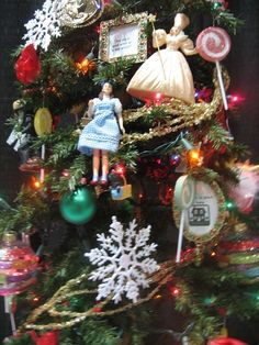 wizard of oz Christmas tree