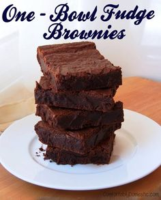 One Bowl Fudge Brownies from scratch |ComfortablyDomestic.com are just as easy as a mix! bowl fudg