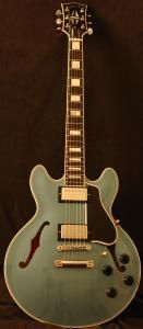 Gibson ES359 in Pelham Blue