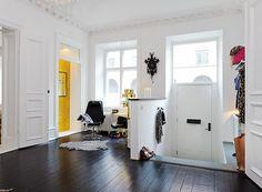 Hall in house / Przedpokój w domu