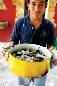 Pollo en Escabeche Oriental (Yucatan-Style Chicken and Onion Stew) Recipe - Saveur.com