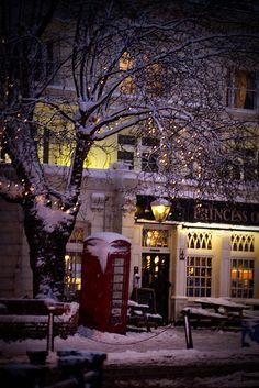 London's snow day, Princess of Wales pub #famfinder