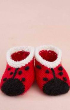 Sweet Lady Bug Booties Knitting Pattern: #knit #knitting #free #pattern #freepattern #freeknittingpattern #knittingpattern