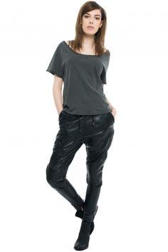 Tigha Lyza. Finally found the perfect #leatherpants