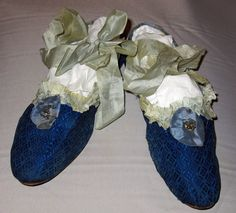 Shoe. Silk, silk ribbon, silver sequins, linen leather. France or England circa 1809.