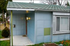 Exploring Nicollet Avenue's unusual Lustron houses. Roof as well as siding are all metal.