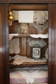Burlap lace pearl bedroom on pinterest country for Burlap and lace bedroom