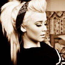 This is quite possibly the sexiest ponytail I've ever seen.