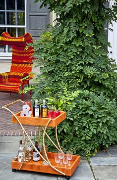Isn't an outdoor bar cart so chic and sophisticated?