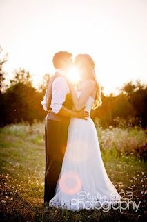 wedding kiss sunlight. I want this picture for my wedding