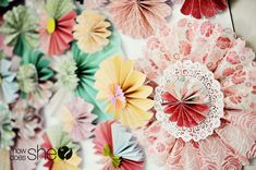Here's the tutorial for the pinwheel backdrop I pinned before. They make it look so easy.