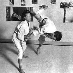 Honor Blackman does judo #judo