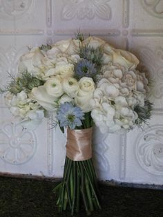 white and blue wedding bouquet
