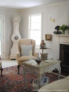 reg oriental rug, pale gray walls