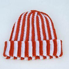 25 Terrific #Crochet Patterns for Autumn: Team Spirit Crochet Hat