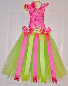 Custom Pink/Green tutu hair bow holder!