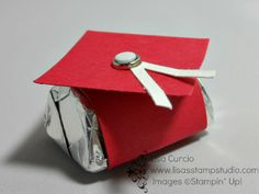 A super easy graduation favor that can be made in abundance.   View the video tutorial here: https://www.youtube.com/watch?v=h5F9u6RTo_I&list=UUwhQRmsAA4vRV1Ykaorpq8g graduat favor, graduation favors