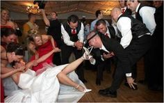 A funny wedding moment wedding parties, wedding party pictures, funny wedding pics, garter, funni, weddings, funny wedding photos, pictur idea, wedding pictures
