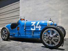 Bugatti vintag bugatti, bathing, cupcakes, vintage, sun bath, beauty, electric blue, blues