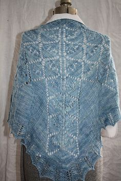Ravelry: Nymphaea Shawl pattern by Raven Knits Design