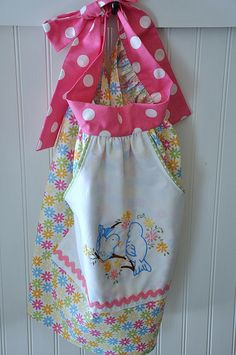 cheerful Spring Apron from Pleasant Home.  Adorable! craft, polka dots, spring apron, colors, aprons, towel, homes, embroidery, vintage style