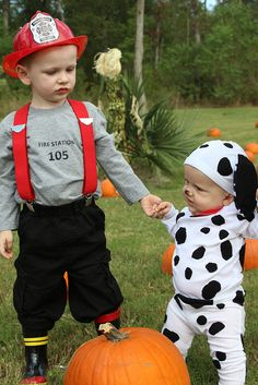 fireman and dalmation- next year? Ej and his baby brother or sister :))))) ohhhh so cute :)))) boy costumes, dalmatian, costume ideas, brother halloween costumes, halloween baby costumes boy, babi, brother sister costume, halloween costumes brothers, brothers halloween costumes