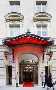 Le Royal Monceau, Philippe Starck