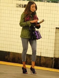 Sarah Jessica Parker takes the Subway in New York City