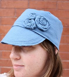 Wow, make a hat with rolled fabric flowers from a t-shirt!