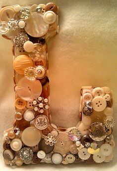 Vintage button initials  --> I love buttons!!!!!