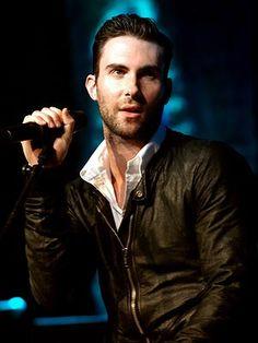Adam Lavine.. Maroon 5.... ummm yes please!