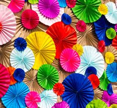 Feest decoratie on pinterest paper bows candy land for Leuke versiering